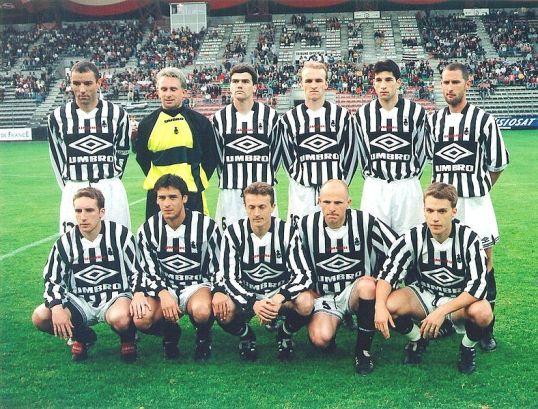 Una formazione di Brittany del 1998 conto il Camerun